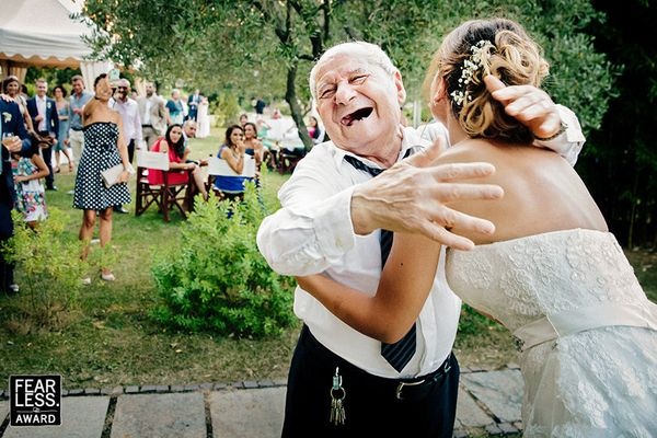 """""""Great wedding photographers have a knack for spotting priceless moments before they happen -- and they know just how to reac"""