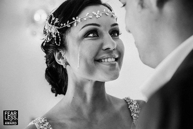 笑って、泣いて、心揺さぶられる。世界のベスト結婚式写真が美しい