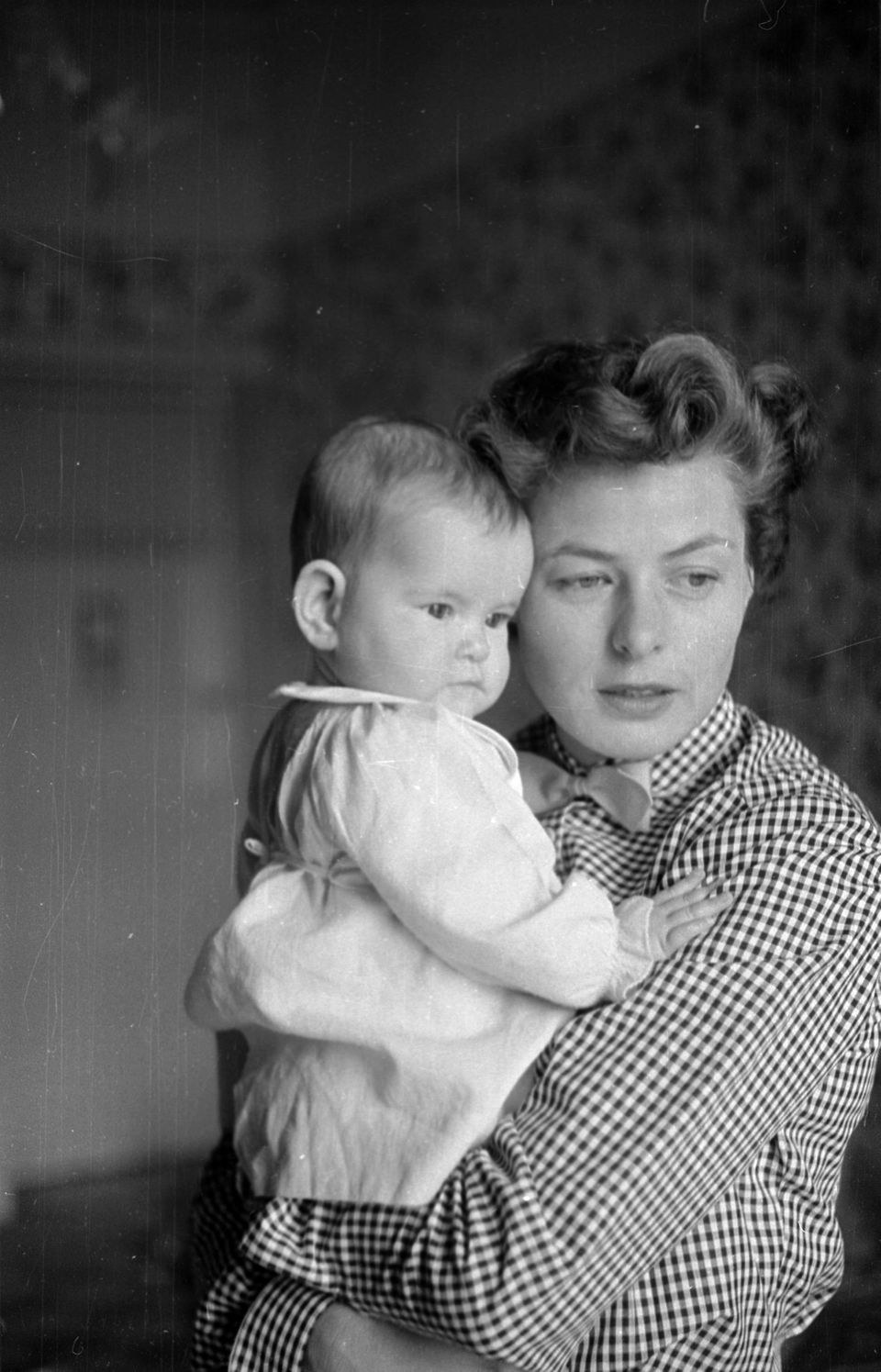 Pictured with her mother, Ingrid Bergman.