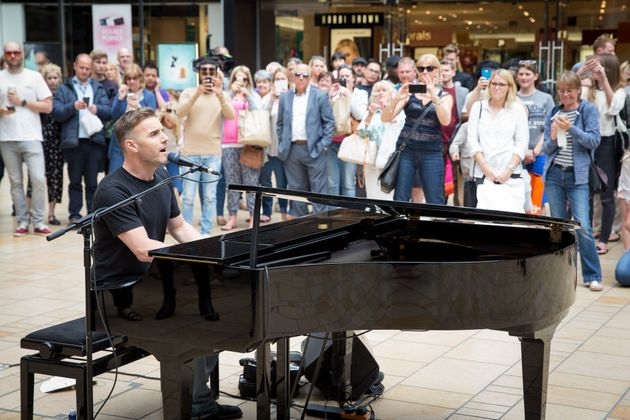 Gary Barlow To Host 'Let It Shine' BBC One Show, Recruiting Cast For Take That