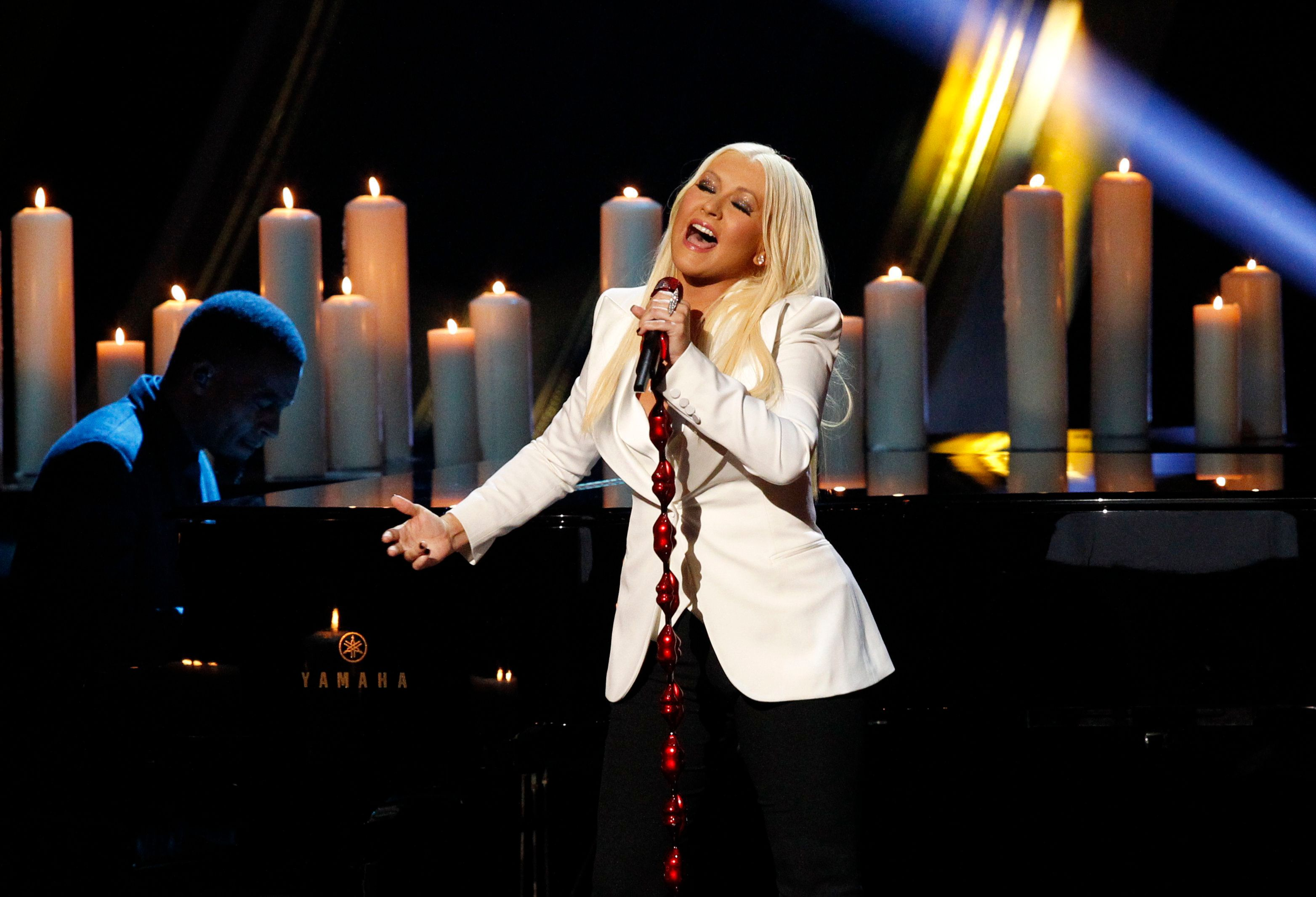 Christina Aguilera performs at the People's Choice Awards in 2013.
