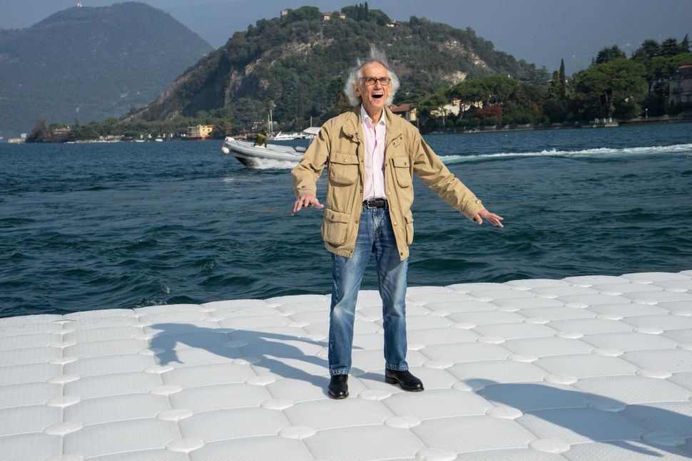 During the life-size test at Montecolino, Christo is obviously delighted as the piers undulate with the movement of the waves