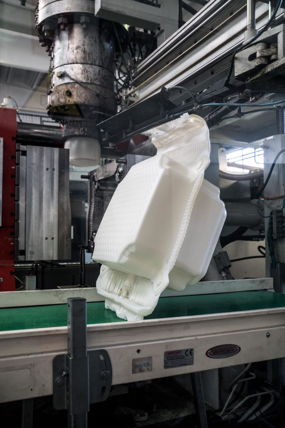 At a factory in Fondotoce at Lago Maggiore, 200,000 high-density polyethylene cubes are manufactured over a period of eight m