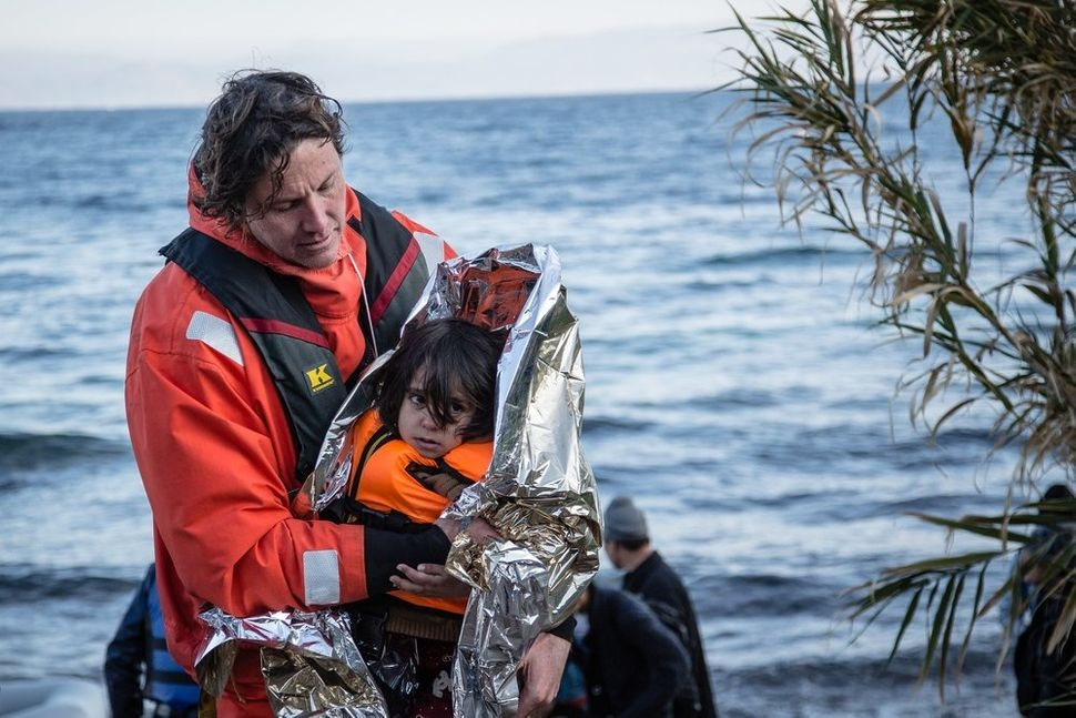 MSF and Greenpeace begin a common operation at sea to provide help to at-risk boats off the shores of Lesbos.