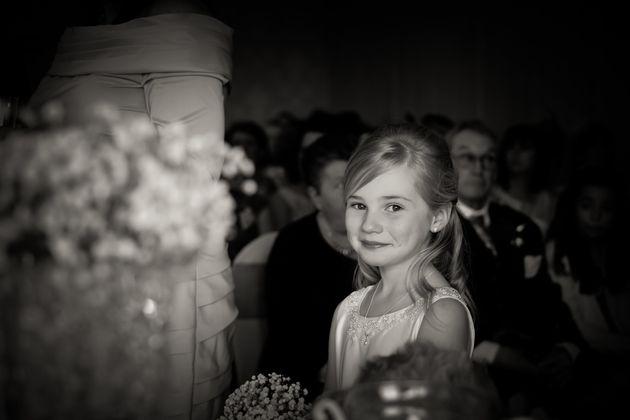 カップルが選んだ結婚式のフォトグラファーは、9歳の少女でした(画像)