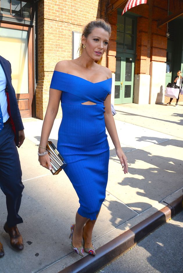 15fb8539de5 Pregnant Blake Lively Is A Babe In This Royal Blue Bodycon Dress ...