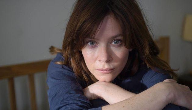 Anna Friel played Hans' English female copper, Marcella -