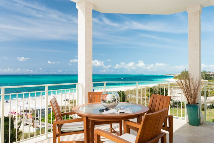 "<a href=""http://www.thewestbayclub.com/"" target=""_blank"">The West Bay Club</a> features all oceanfront suites."
