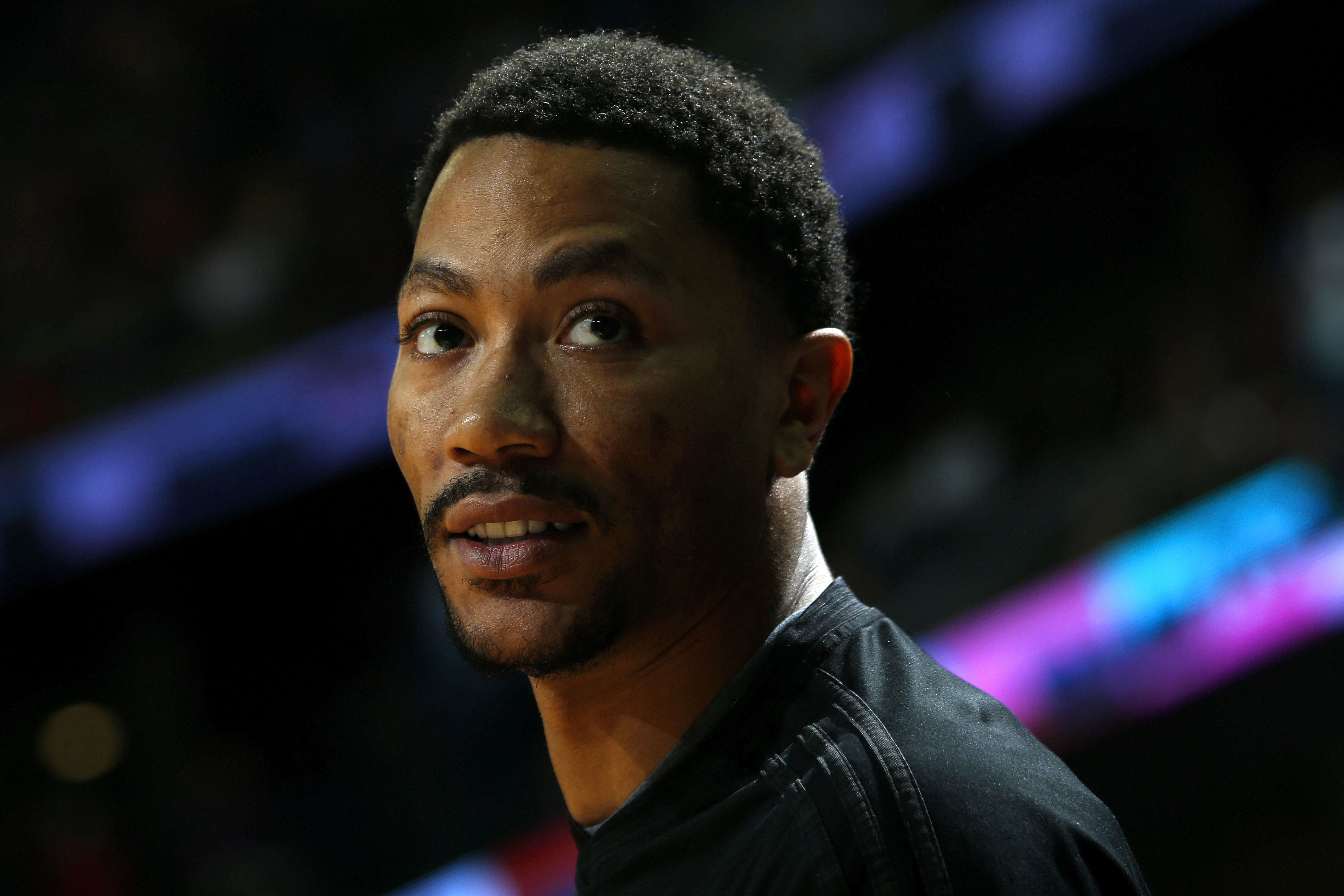 NEW ORLEANS, LA - APRIL 11:  A close up shot of Derrick Rose #1 of the Chicago Bulls during the game against the New Orleans Pelicans on April 11, 2016 at the Smoothie King Center in New Orleans, Louisiana. NOTE TO USER: User expressly acknowledges and agrees that, by downloading and or using this Photograph, user is consenting to the terms and conditions of the Getty Images License Agreement. Mandatory Copyright Notice: Copyright 2015 NBAE (Photo by Jonathan Bachman/NBAE via Getty Images)