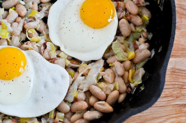 """<strong>Get the <a href=""""http://www.howsweeteats.com/2011/01/white-bean-breakfast-hash/"""">White Bean Breakfast Hash recipe fro"""