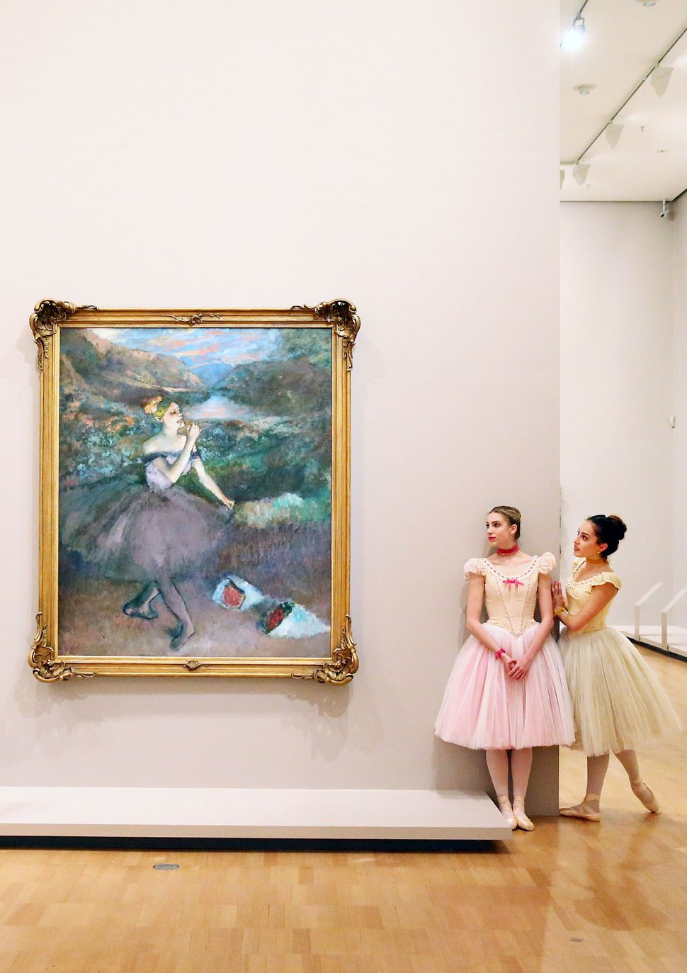 here are real life ballerinas enjoying the beauty of degas u0027 iconic