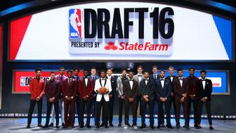 BROOKLYN, NY - JUNE 23: Back Row (L-R) Malachi Richardson,Skal Labissiere,Deyonta Davis, Henry Ellerson, Ben Simmons,Brandon Ingram, Dragan Bender, Jacob Poeltl, Marquese Chriss, Front Row (L-R) Wade Baldwin, Malik Beasley, Jaylen Brown,Buddy Hield,Kris Dunn,Jamal Murray, Denzel Valentine,Timothe Luwawu-Cabarrot, Dejounte Murray during the 2016 NBA Draft on June 23, 2015 at Barclays Center in Brooklyn, New York. NOTE TO USER: User expressly acknowledges and agrees that, by downloading and or using this photograph, User is consenting to the terms and conditions of the Getty Images License Agreement. Mandatory Copyright Notice: Copyright 2016 NBAE (Photo by Nathaniel S. Butler /NBAE via Getty Images)