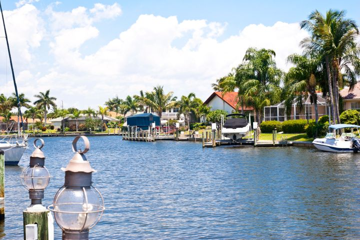 Waterfront properties in Cape Coral with access to the Gulf of Mexico.