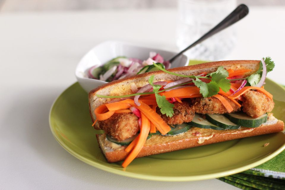 """<strong>Get the <a href=""""http://cookinginsens.wordpress.com/2011/08/17/sarkozys-oysters-banh-mi"""" target=""""_blank"""">Oysters Banh"""