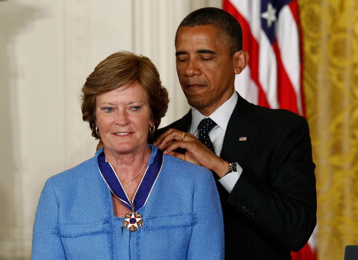 Pat Summitt receives the Presidential Medal of Freedom in 2012 from President Barack Obama.