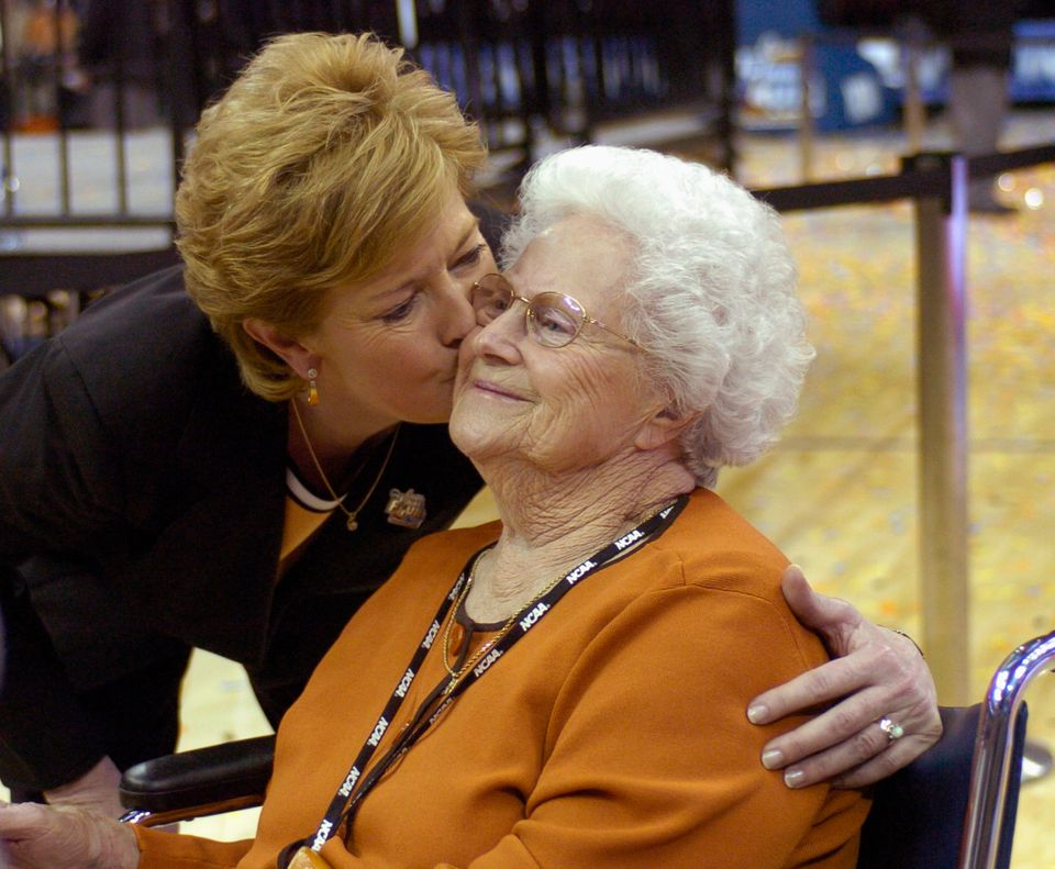 University of Tennessee Lady Volunteers head coach Pat Summitt (L) kisses her mother Hazel Head after her team defeated Rutge