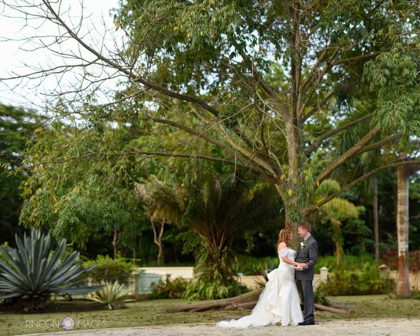 """""""At Villa De Zecheo in Rincon, Puerto Rico, Letty and Steve held hands in front of a beautiful young Ceiba tree, a sacred and"""