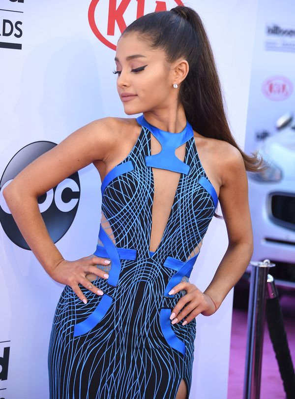 """After a commenter said they'd preferAriel Winter to Ariana Grande because """"curves are sexy sticks aren't,"""" the """"Focus"""""""
