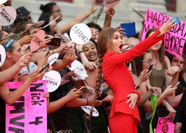 Even though she's an it girl now, model Gigi Hadid has insecure moments just like the rest of us. Being the center of attenti