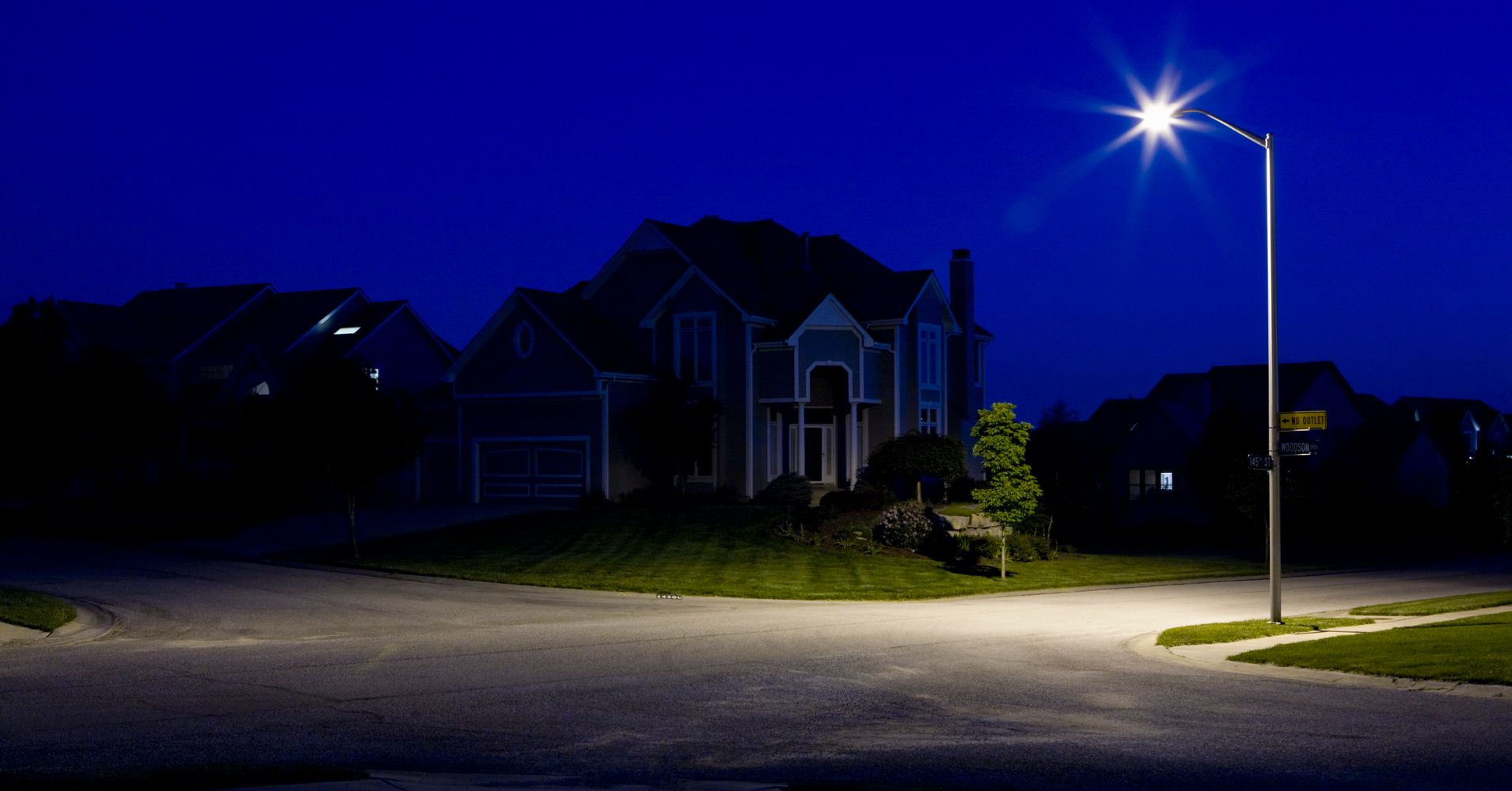 These Streetlights Are Great For The Planet But Horrible Your Night Security Light Health Huffpost