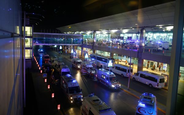 <i>Ambulances arrive at&nbsp;the airport.</i>