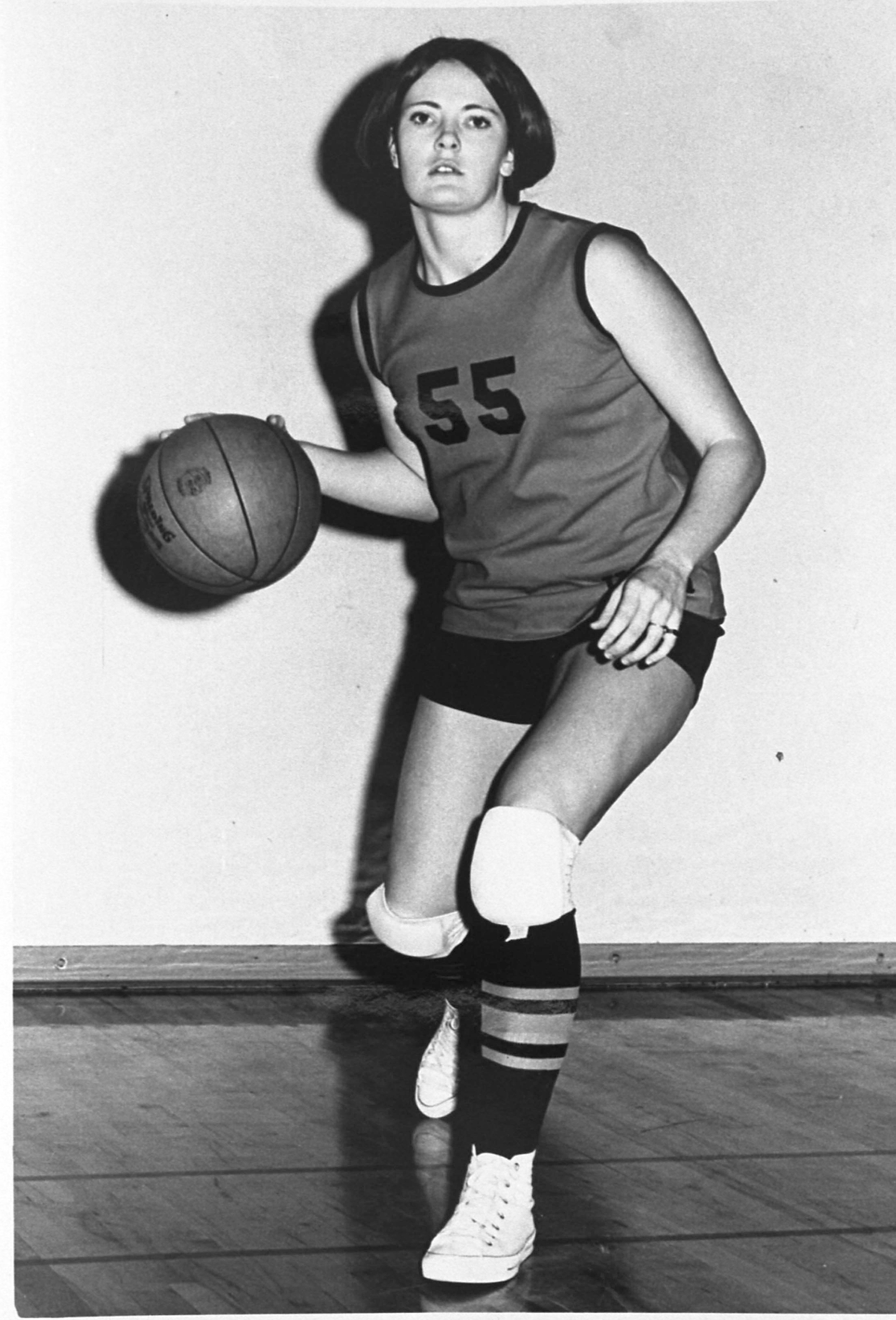 Pat Summitt wears No.55during her time as a basketball player fortheTennessee Martin University Skyha