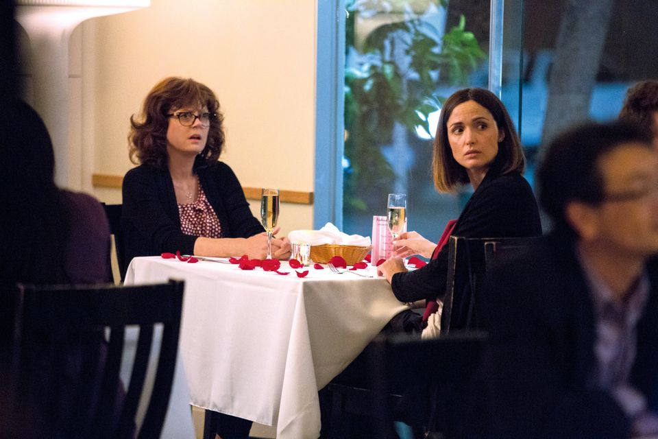 "Effortlessly charming, ""The Meddler"" gives&nbsp;us <a href=""https://www.huffpost.com/entry/susan-sarandon-rose-byrne-the-medd"