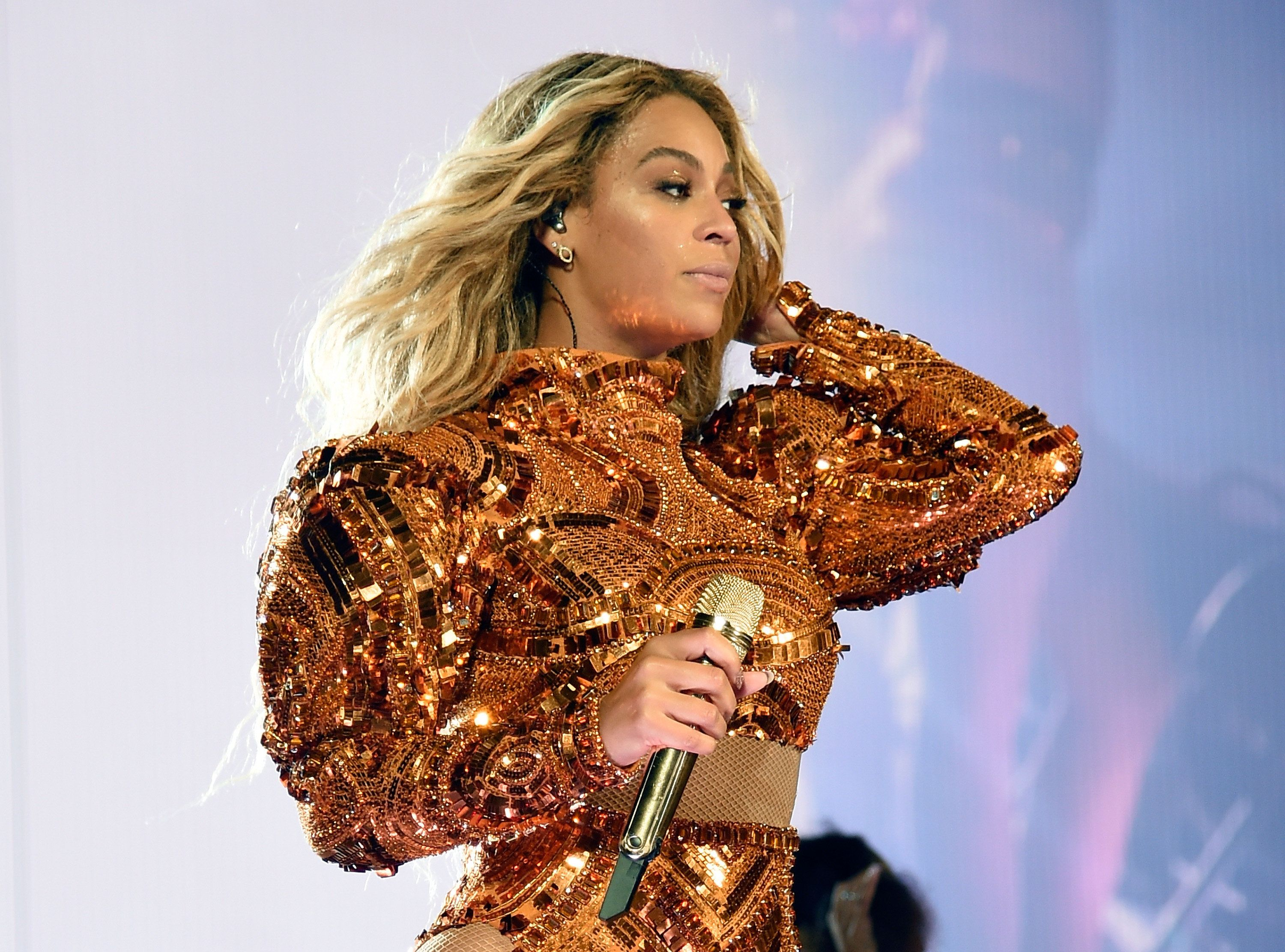 PASADENA, CA - MAY 14:  Entertainer Beyonce performs onstage during 'The Formation World Tour' at the Rose Bowl on May 14, 2016 in Pasadena, California.  (Photo by Kevin Mazur/WireImage )