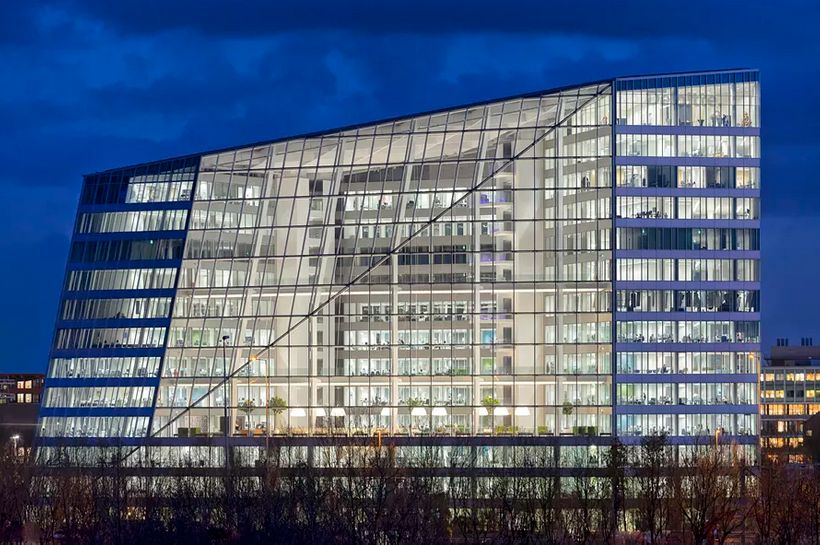<i>Deloitte Ltd.'s Amsterdam headquarters received the Building Research Establishment's highest sustainability rating ever f