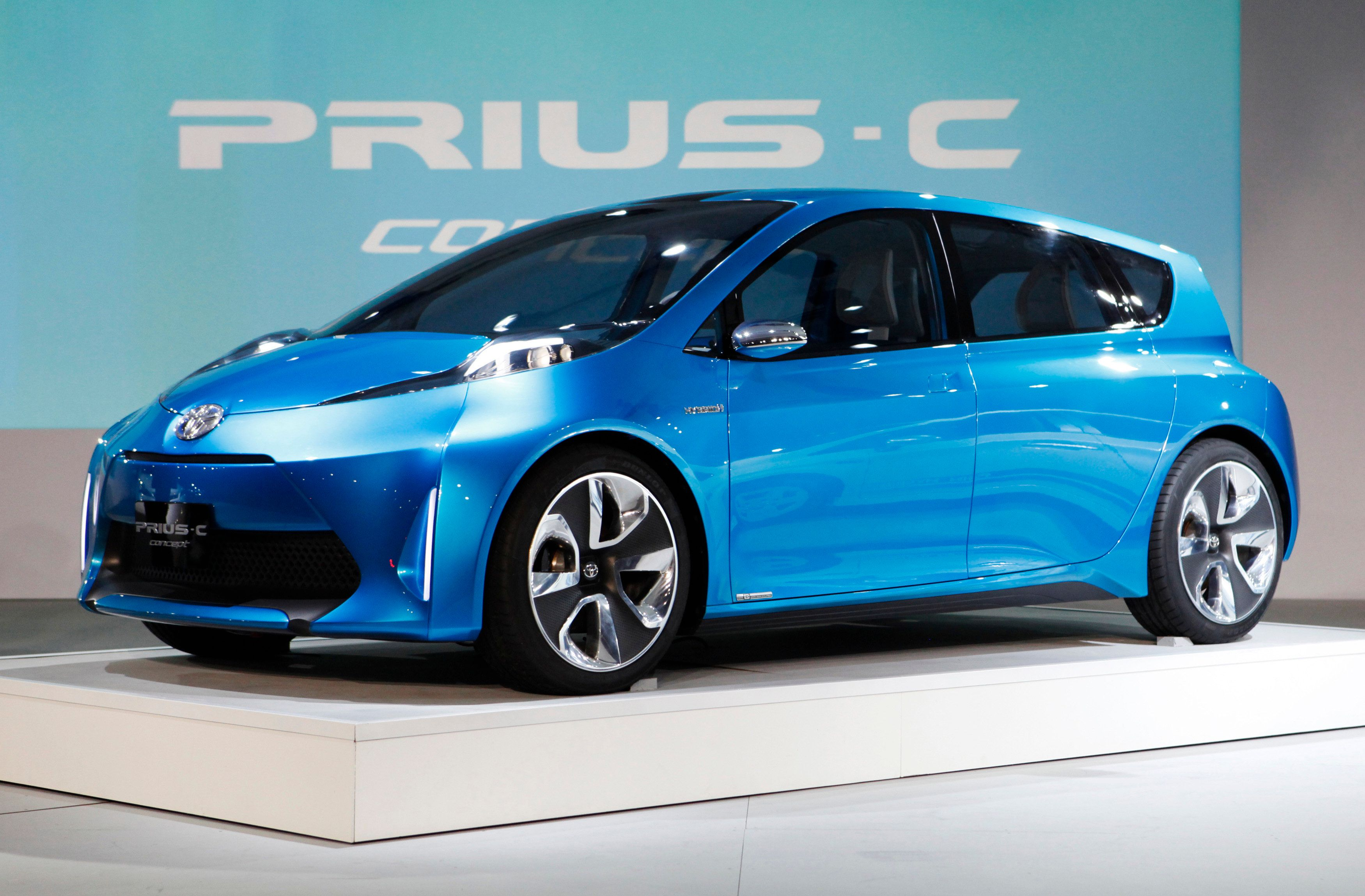 The Toyota Prius-C concept car is revealed during the press days for the North American International Auto show in Detroit, Michigan, January 10, 2011.     REUTERS/Mark Blinch (UNITED STATES - Tags: TRANSPORT BUSINESS)