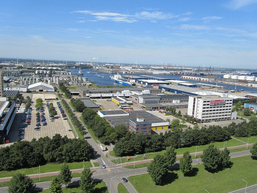 <i>Westhaven, Amsterdam's western harbour area.</i>