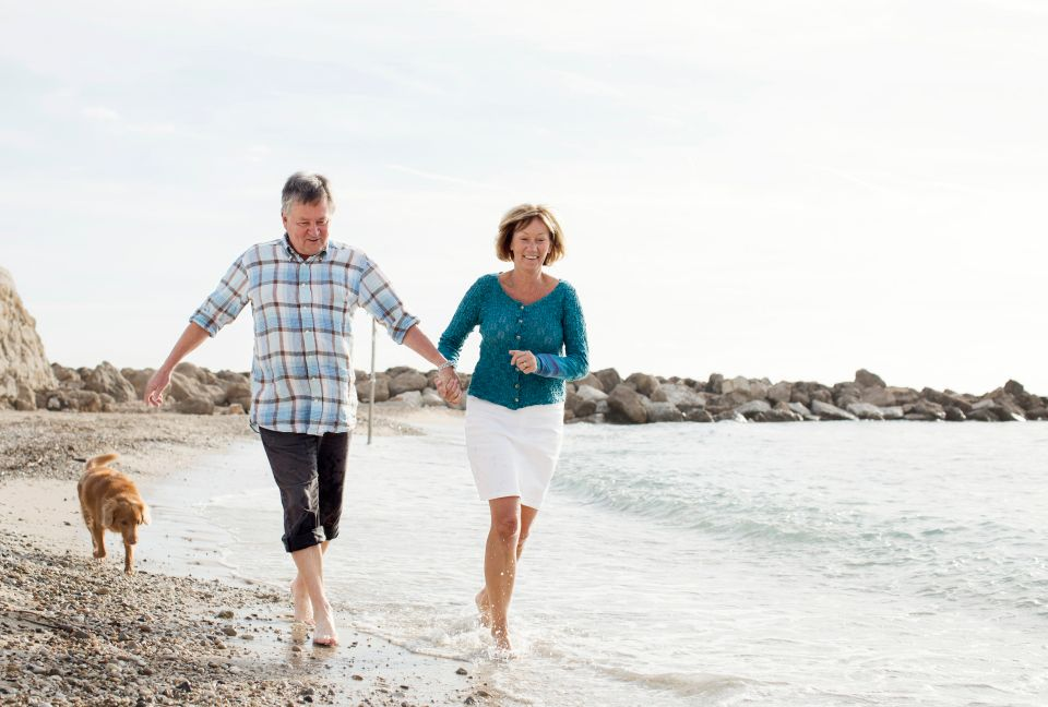 <br>Who says exercising can't feel good? Enjoy the breeze of the ocean with a nice relaxing walk on the sand. Research shows