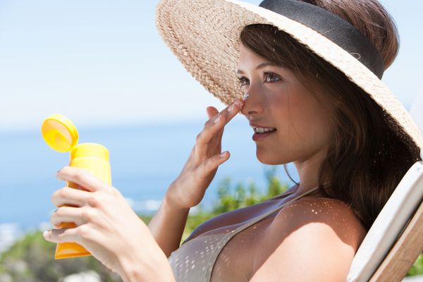 """<strong>What Is Sunscreen Made Of?</strong><br><br>Sunscreens follow one of two formulas. So-called """"chemical free"""" sunscreen"""