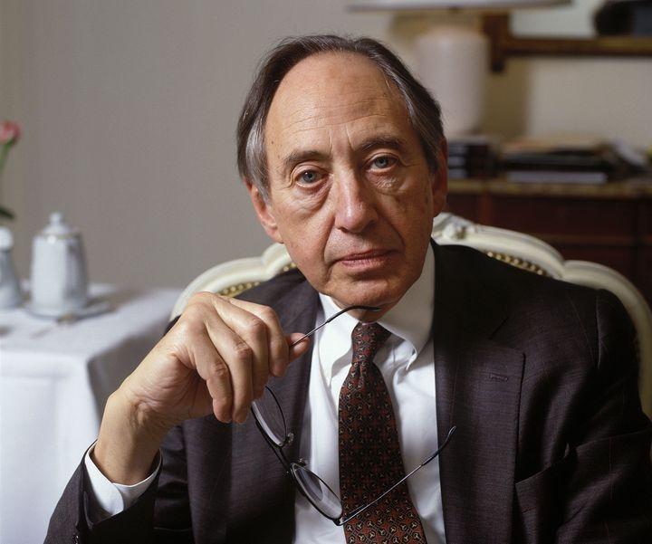 Alvin Tofflerwas known for his book <i>Future Shock.</i>