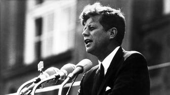 (GERMANY OUT) US President John F. Kennedy during his speech in front of Rathaus Schöneberg, the City Hall of West Berlin (Photo by Lehnartz/ullstein bild via Getty Images)