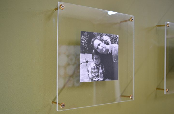 Make Your Home Look Like An Art Gallery With DIY Floating Picture ...