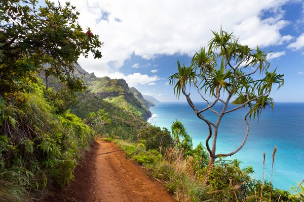 """The <a href=""""http://www.huffingtonpost.com/entry/kayak-na-pali-coast-hawaii_us_55b833abe4b0a13f9d1ac789"""">Na Pali Coast</a> is"""