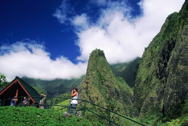 """From the <a href=""""http://mauiguidebook.com/central-maui/iao-valley-state-park/"""" target=""""_blank"""">lookout point in the Iao Vall"""