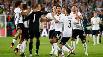 Football Soccer - Germany v Italy - EURO 2016 - Quarter Final - Stade de Bordeaux, Bordeaux, France - 2/7/16 Germany players celebrate winning the penalty shootout REUTERS/Christian Hartmann Livepic