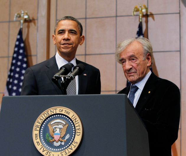 Obamaand Wiesel at theUnited States Holocaust Museum in Washington, D.C., on April 23,