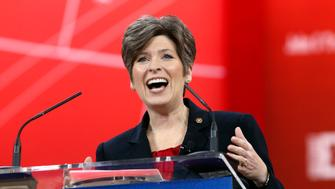 Iowa Senator Joni Ernst speaks at the Conservative Political Action Conference (CPAC) at National Harbor in Maryland February 26, 2015.  REUTERS/Kevin Lamarque  (UNITED STATES - Tags: POLITICS)