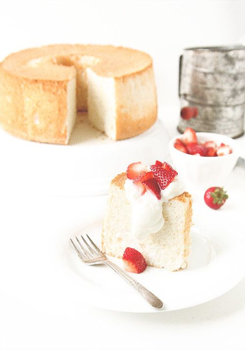 13 smart uses for leftover egg whites and yolks huffpost angel food cake forumfinder Image collections