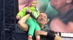 Bruce Springsteen Invites 4-Year-Old On Stage, Her Reaction Shocks