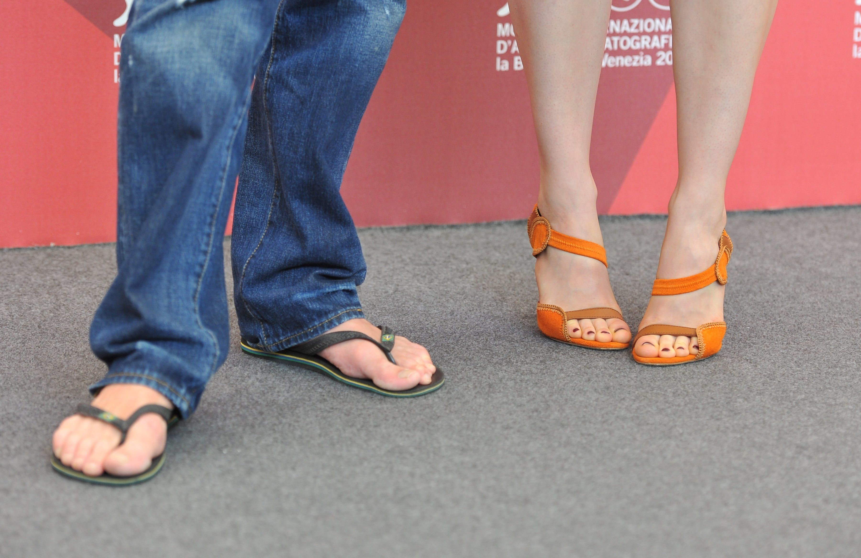 flip flops do not fit politicians Govt by flip-flops: when a phd is reduced to censoring press meetings by rappers share bookmark print rating by jenerali ulimwengu the east african posted thursday, april 20 2017 at 14:45.