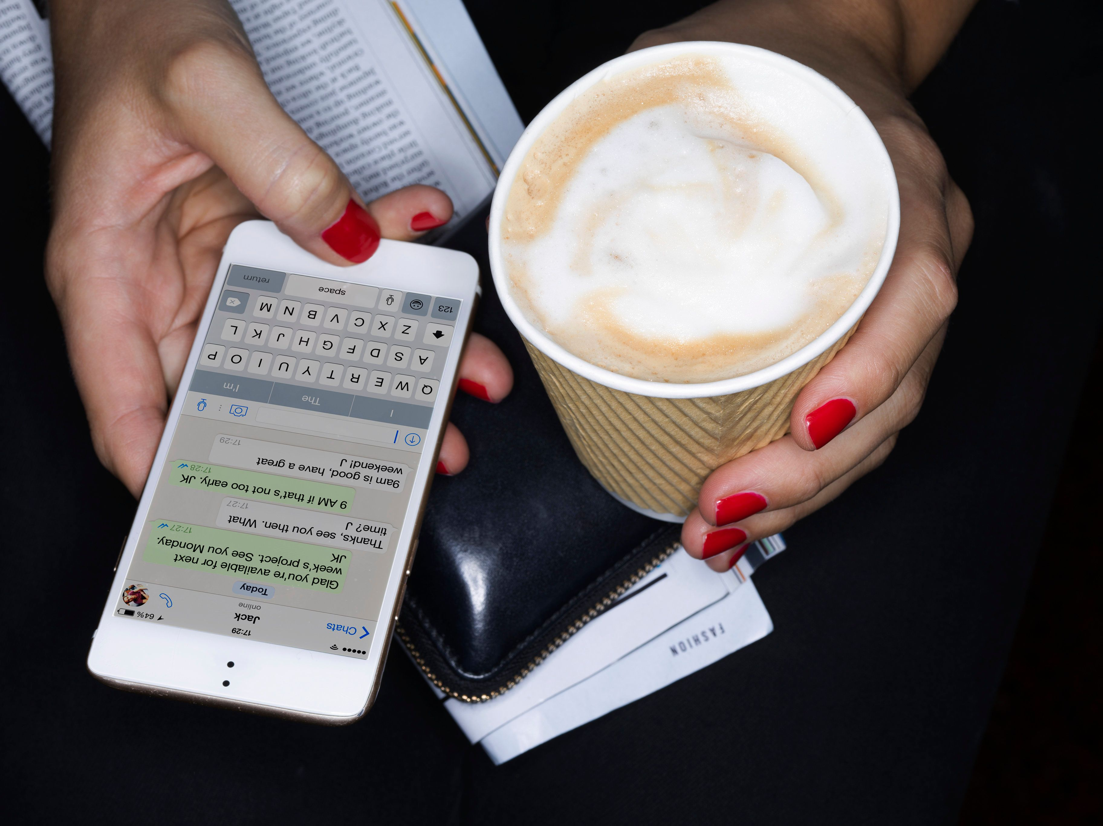 Texting may cause some people's brain waves to change temporarily.