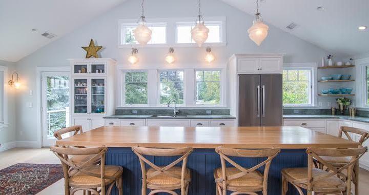 A beachy cottage design stylecreatesa light, breezy feeling