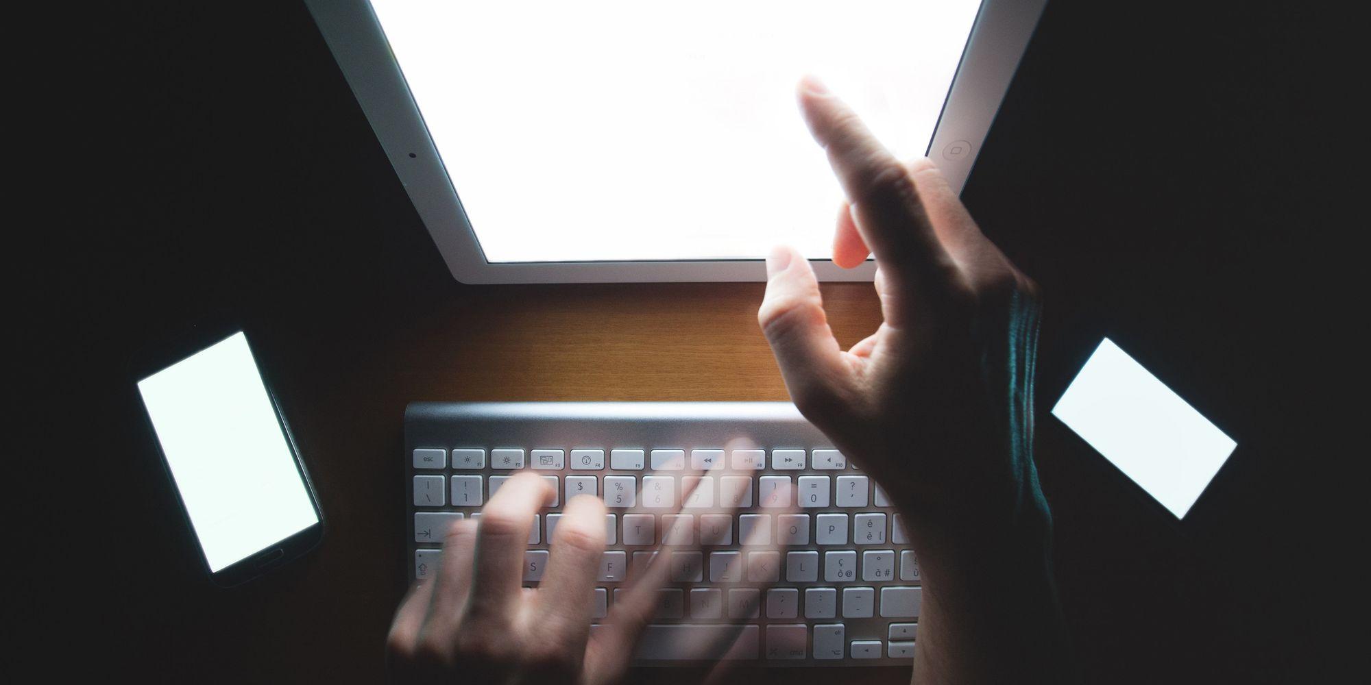 Смотреть порно стрыптизьршы в хорошем качестве фотоография