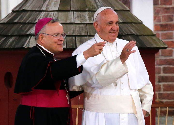 Pope Francis (R) and Archbishop Charles Chaput stand together in front of Independence Hall in Philadelphia, September 2