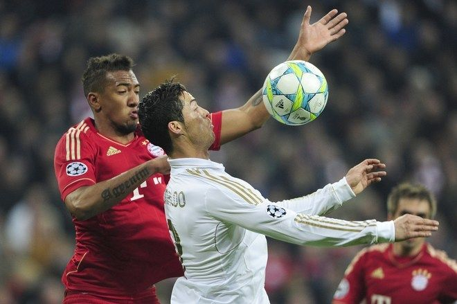 Boateng applying pressure to Ronaldo