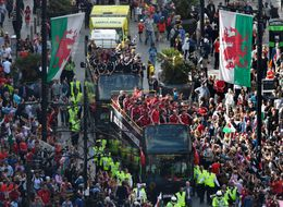 Ten Of Thousands Give 'Heroes' Welcome To Wales Football Team In Cardiff